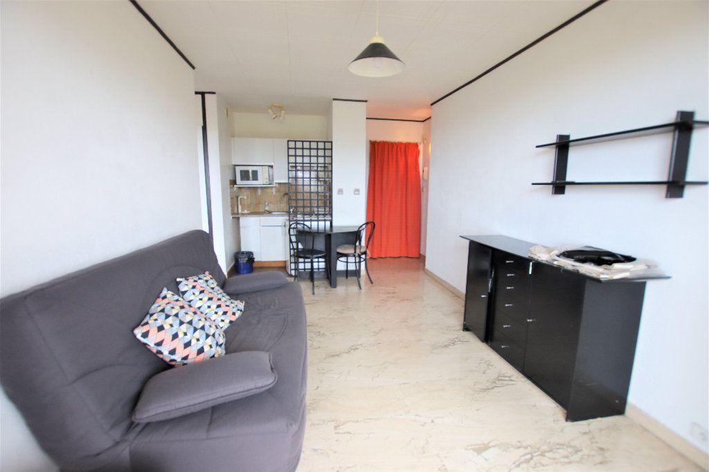 Appartement à louer 2 32.23m2 à Nice vignette-1