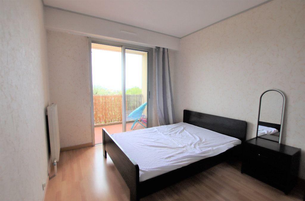 Appartement à louer 2 32.23m2 à Nice vignette-2