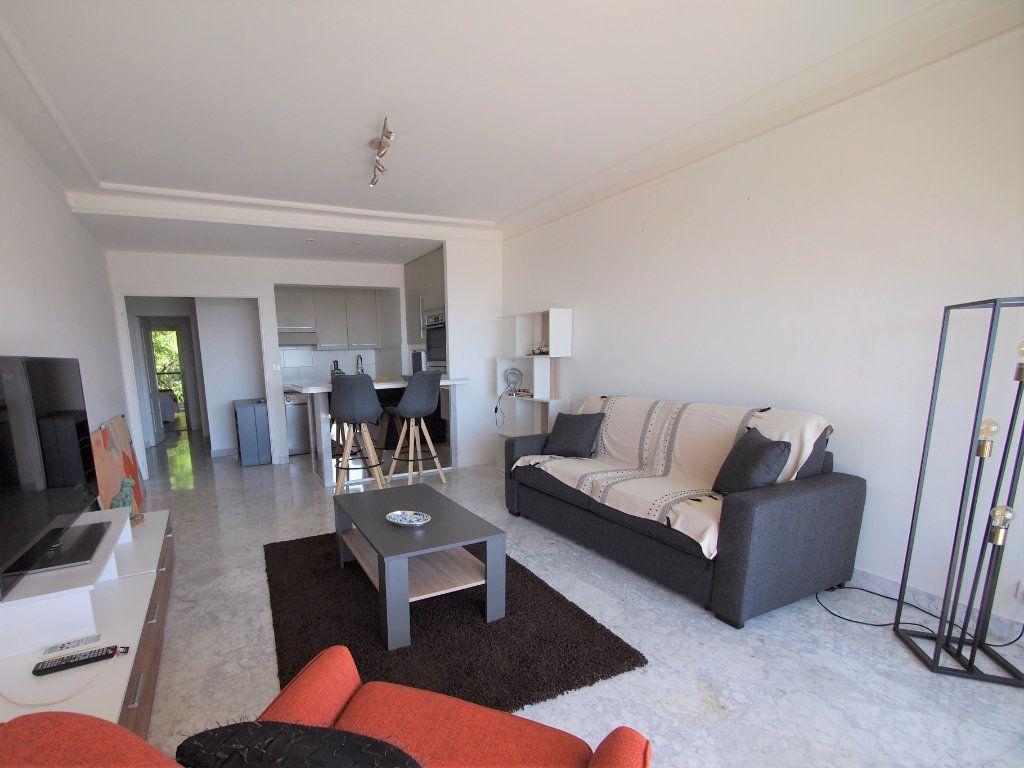 Appartement à louer 3 65.58m2 à Nice vignette-1