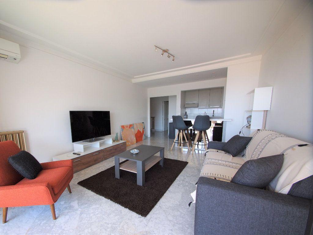 Appartement à louer 3 65.58m2 à Nice vignette-2