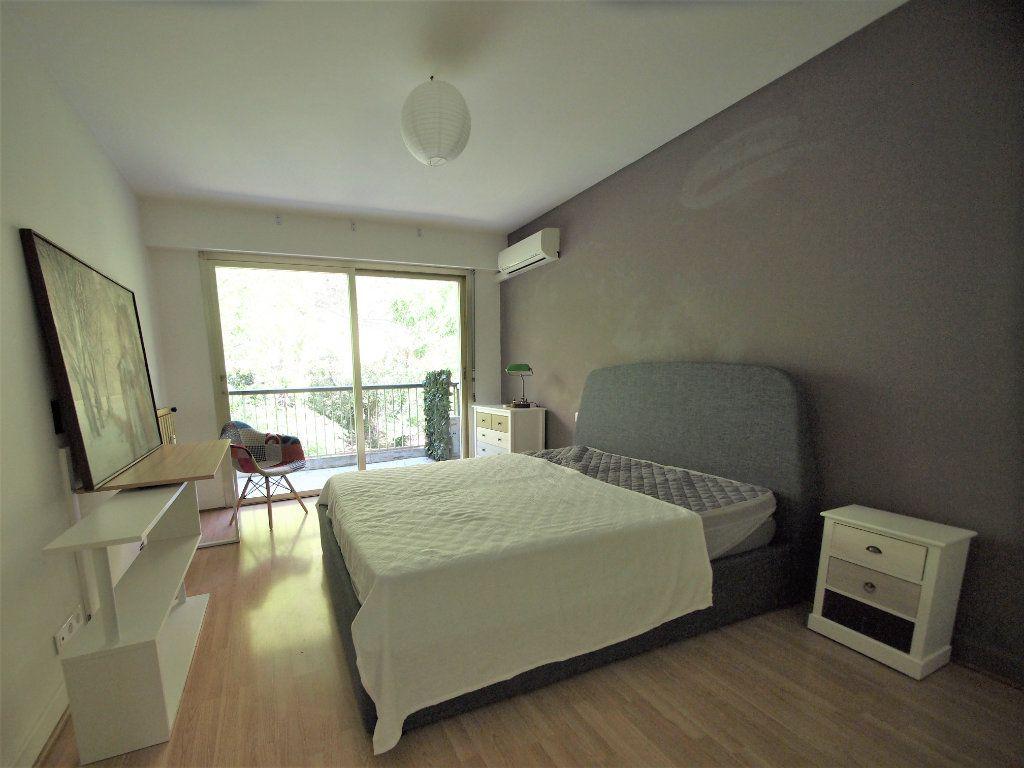 Appartement à louer 3 65.58m2 à Nice vignette-5