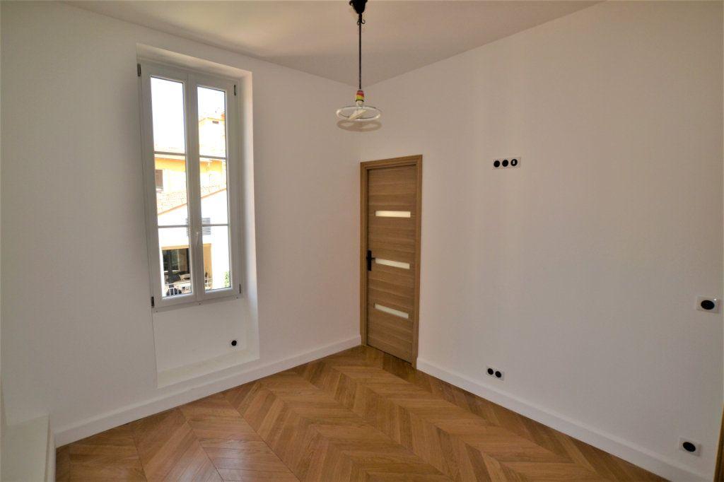 Appartement à vendre 3 62m2 à Nice vignette-7