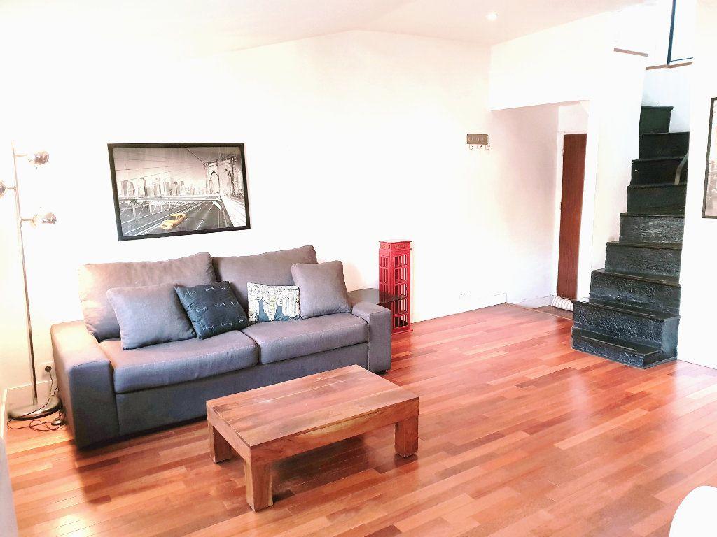 Appartement à louer 2 33.14m2 à Nice vignette-2