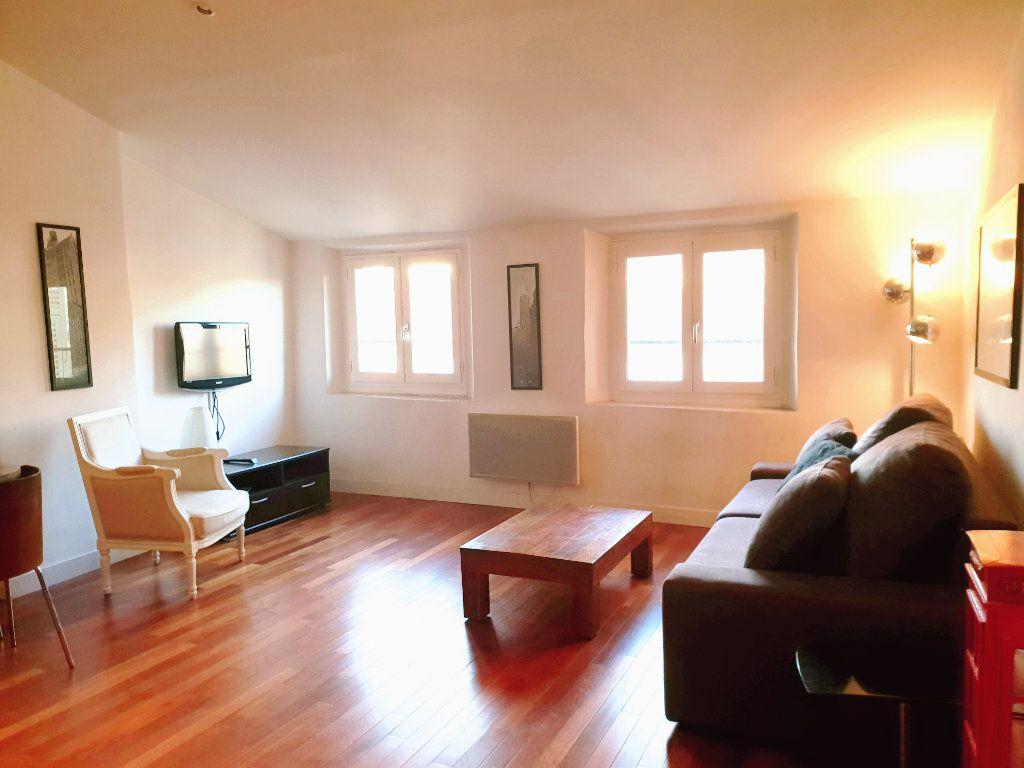 Appartement à louer 2 33.14m2 à Nice vignette-4