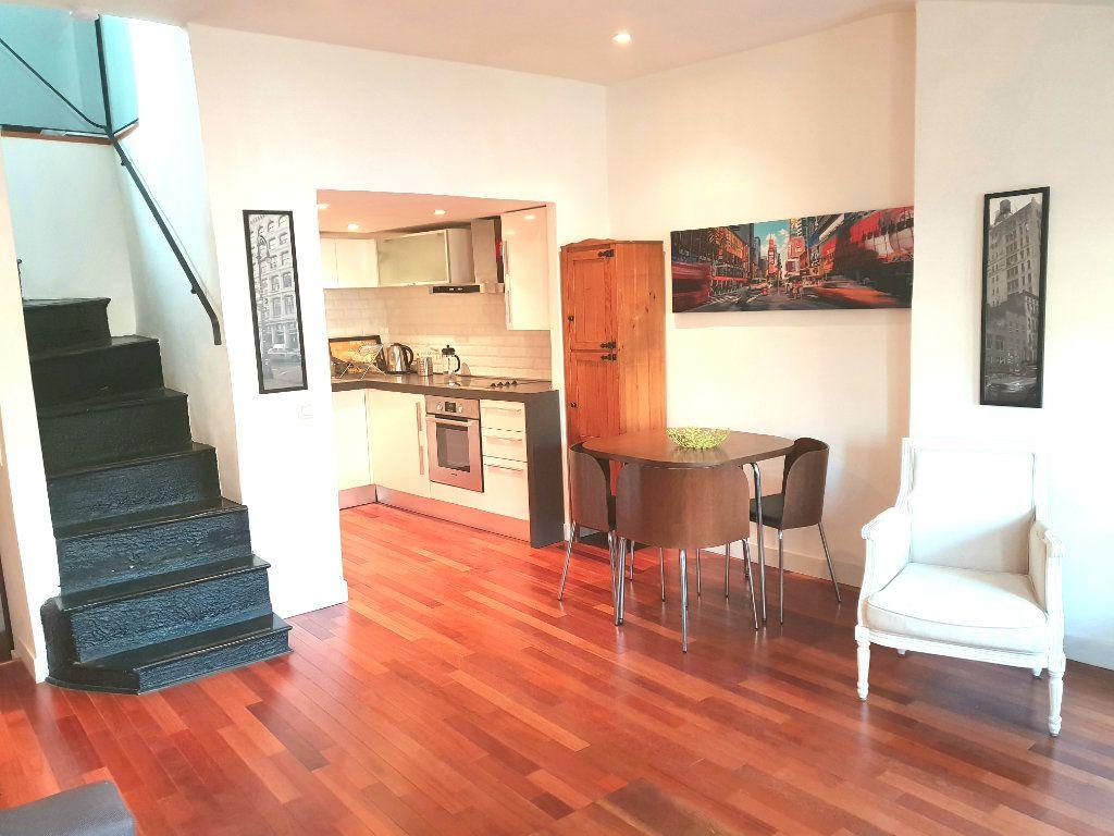 Appartement à louer 2 33.14m2 à Nice vignette-5