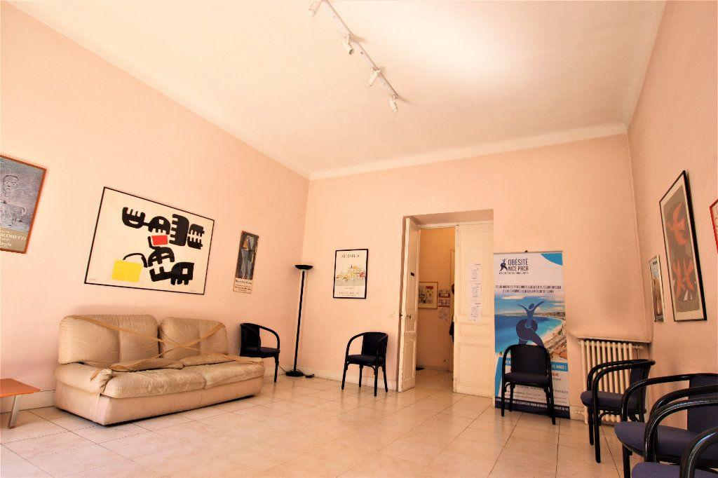 Appartement à vendre 5 220m2 à Nice vignette-6