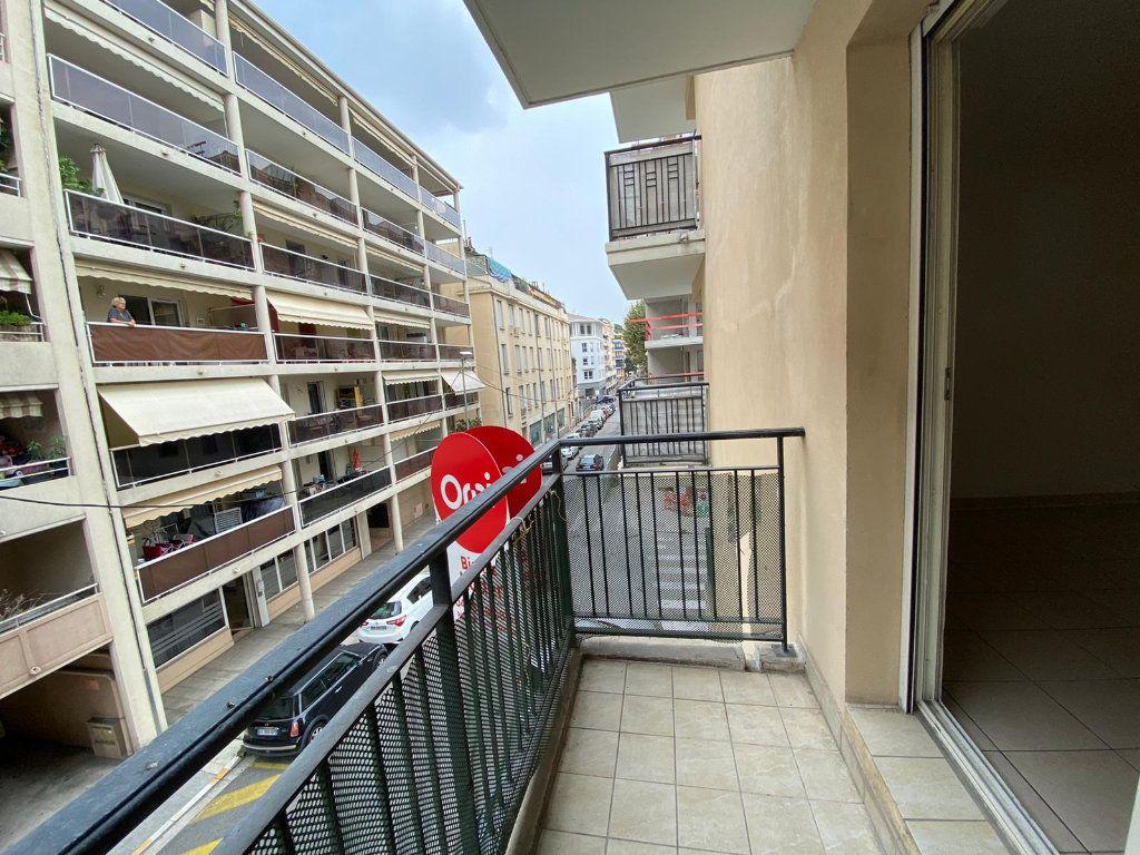 Appartement à louer 1 21.12m2 à Nice vignette-2