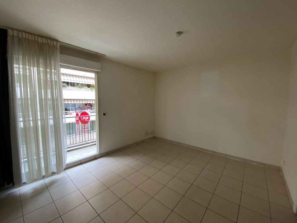 Appartement à louer 1 21.12m2 à Nice vignette-3