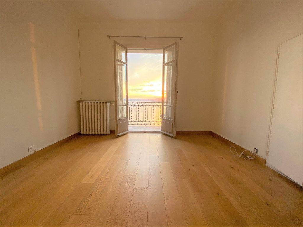 Appartement à louer 4 90.72m2 à Nice vignette-2