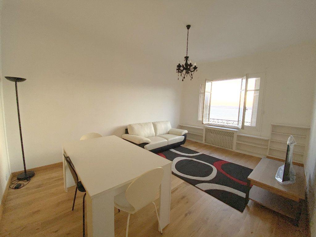 Appartement à louer 4 90.72m2 à Nice vignette-3