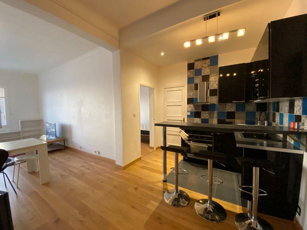 Appartement à louer 4 90.72m2 à Nice vignette-4