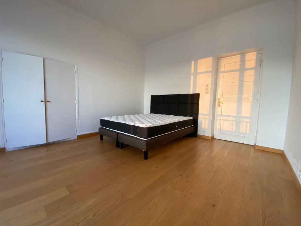 Appartement à louer 4 90.72m2 à Nice vignette-5
