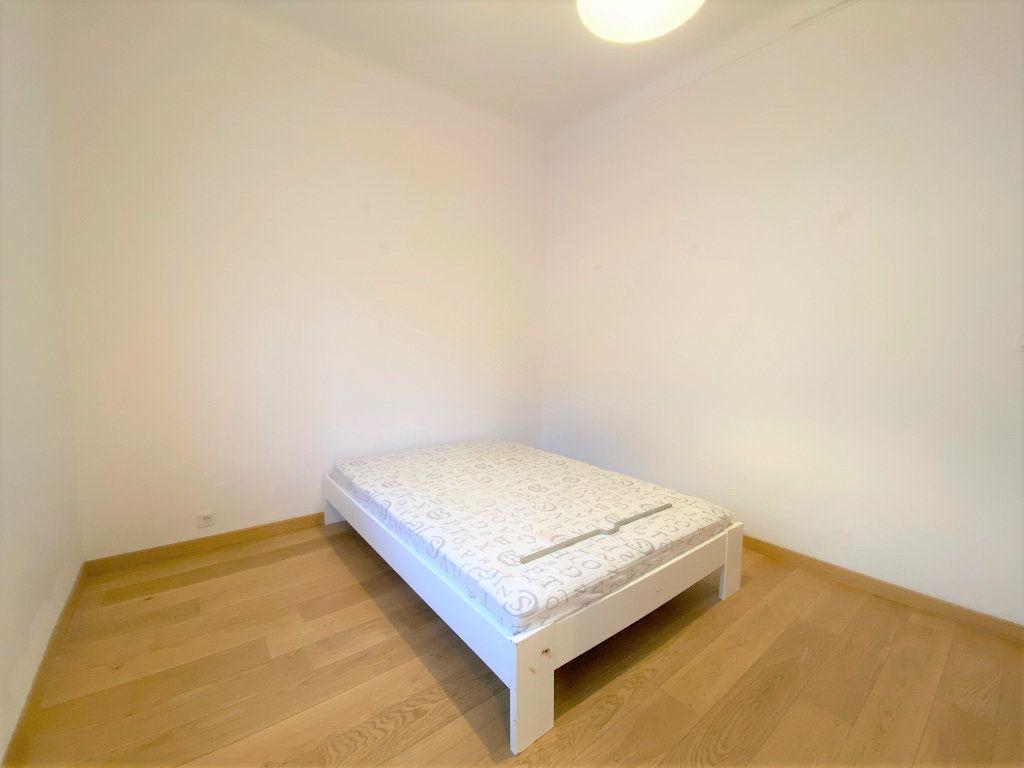 Appartement à louer 4 90.72m2 à Nice vignette-6