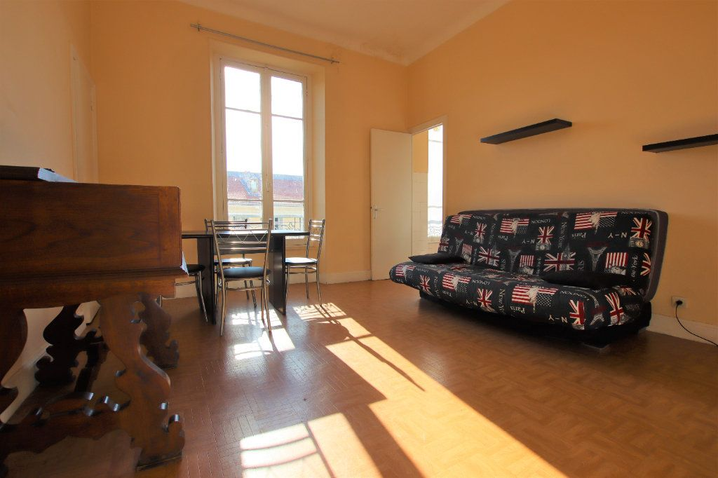 Appartement à louer 1 27.27m2 à Nice vignette-1
