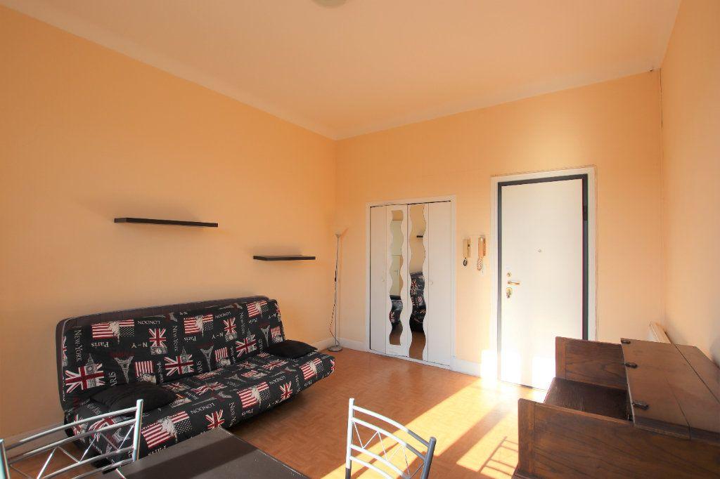 Appartement à louer 1 27.27m2 à Nice vignette-2