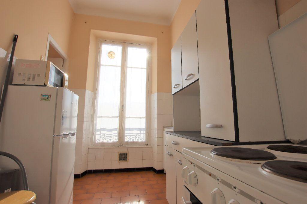 Appartement à louer 1 27.27m2 à Nice vignette-3