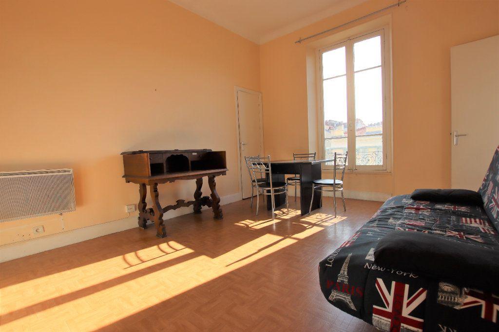 Appartement à louer 1 27.27m2 à Nice vignette-4