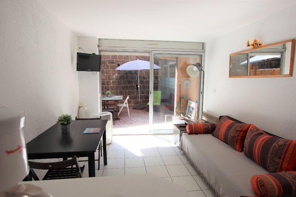 Appartement à louer 1 25m2 à Théoule-sur-Mer vignette-1