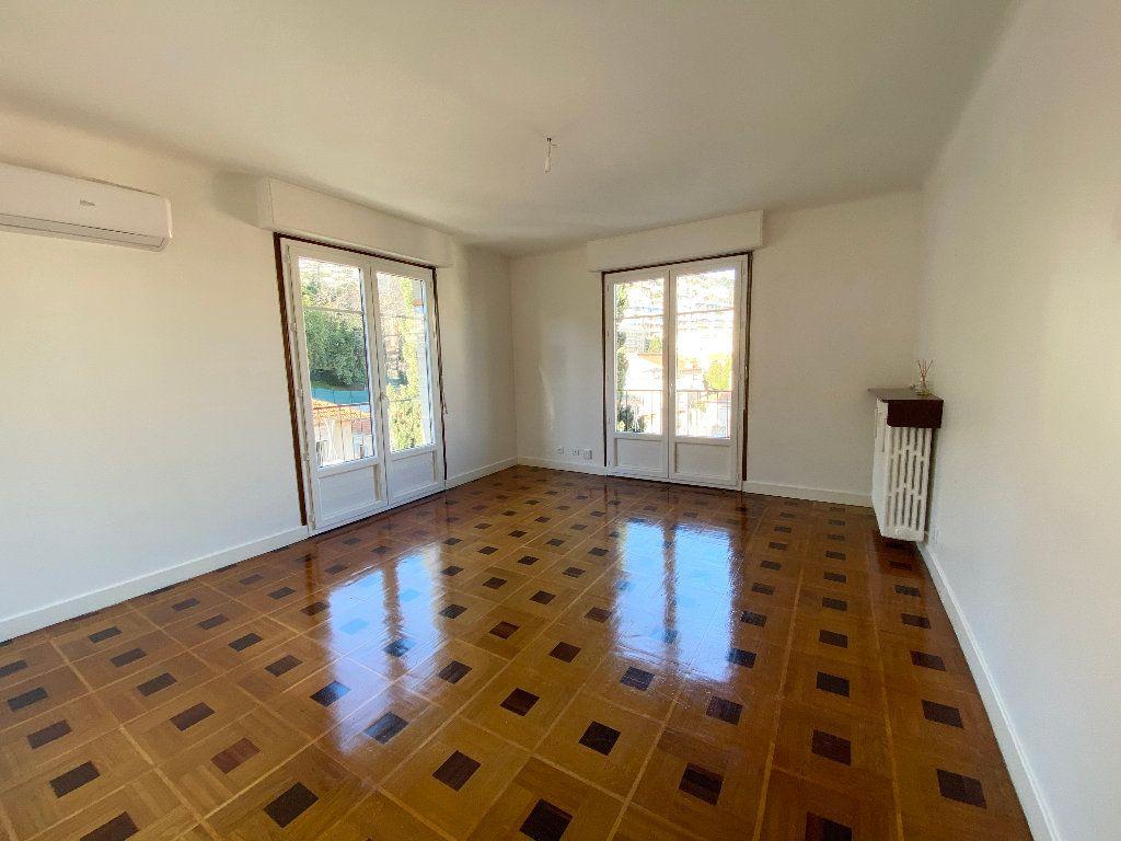 Appartement à louer 3 64.68m2 à Nice vignette-1
