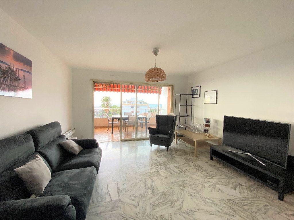 Appartement à louer 3 83.18m2 à Nice vignette-2