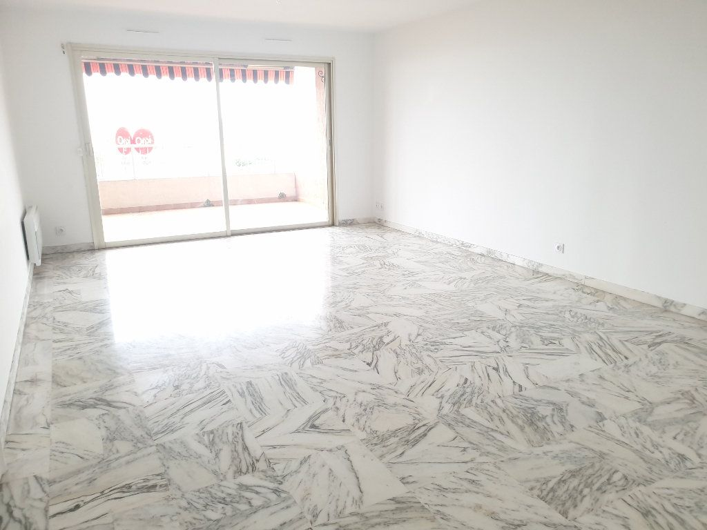 Appartement à louer 3 83.18m2 à Nice vignette-3
