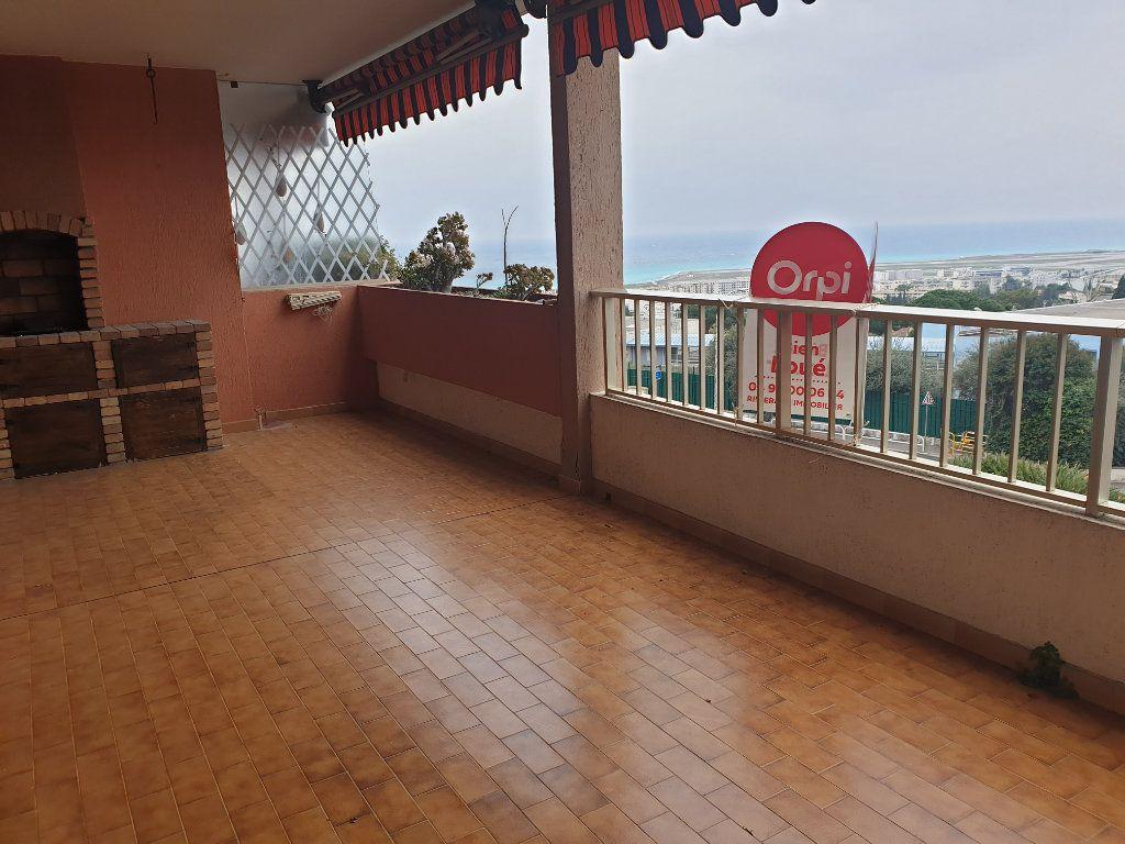 Appartement à louer 3 83.18m2 à Nice vignette-5