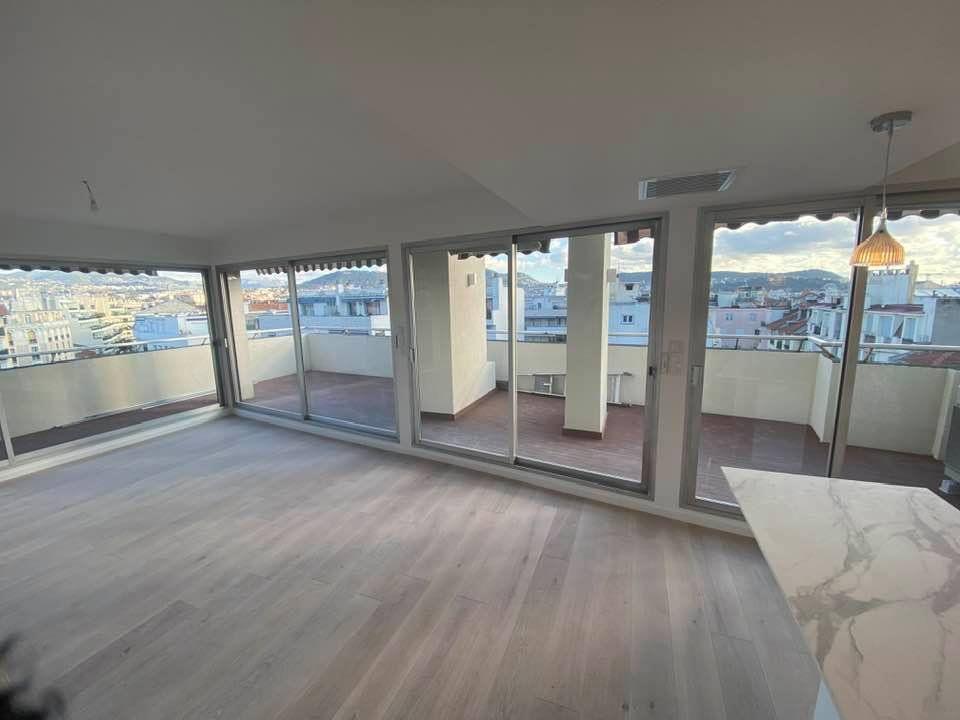 Appartement à vendre 3 100m2 à Nice vignette-3
