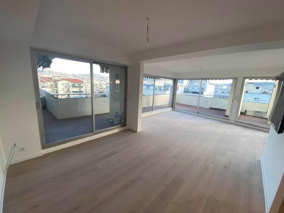 Appartement à vendre 3 100m2 à Nice vignette-4