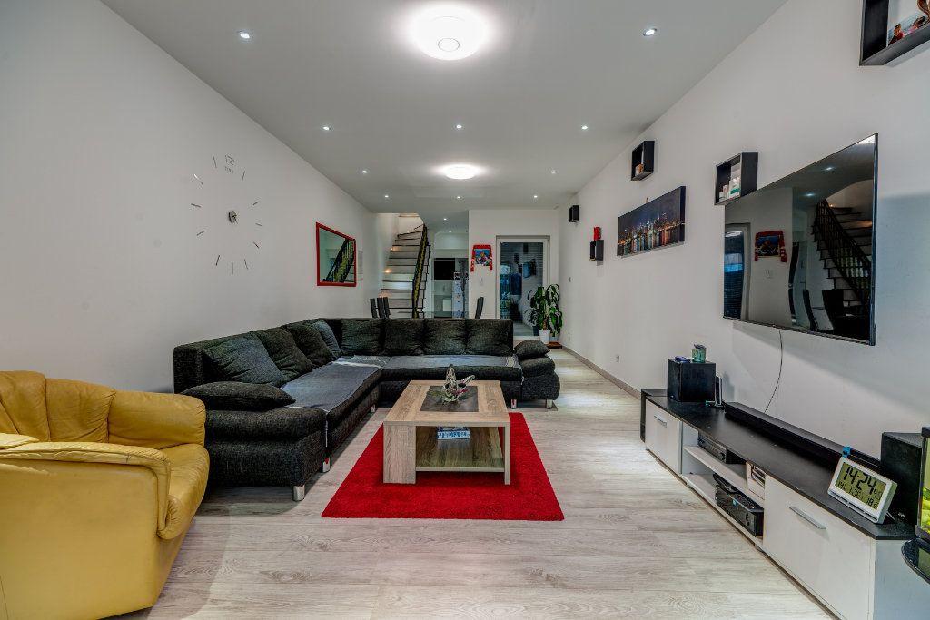 Maison à vendre 6 145m2 à Nice vignette-1