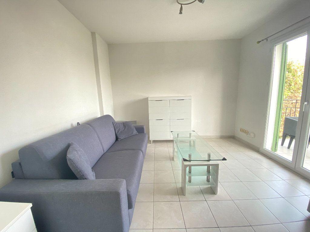 Appartement à louer 1 20m2 à Nice vignette-1