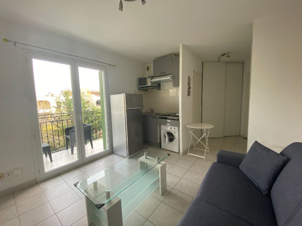 Appartement à louer 1 20m2 à Nice vignette-5