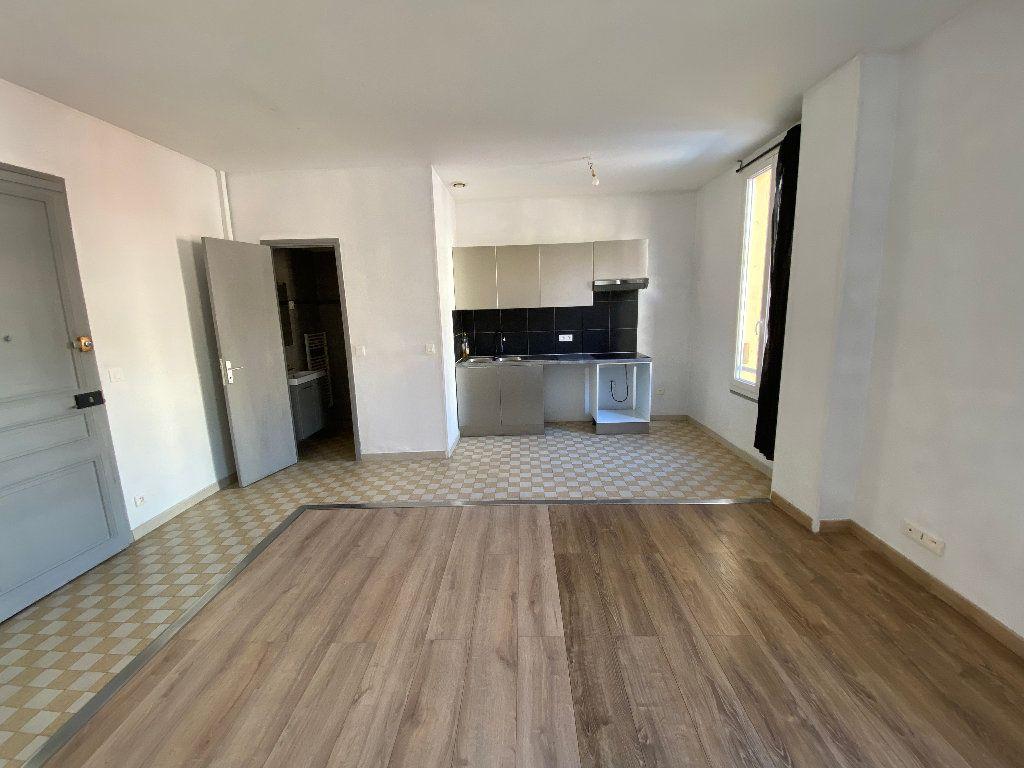 Appartement à louer 2 41.61m2 à Nice vignette-2
