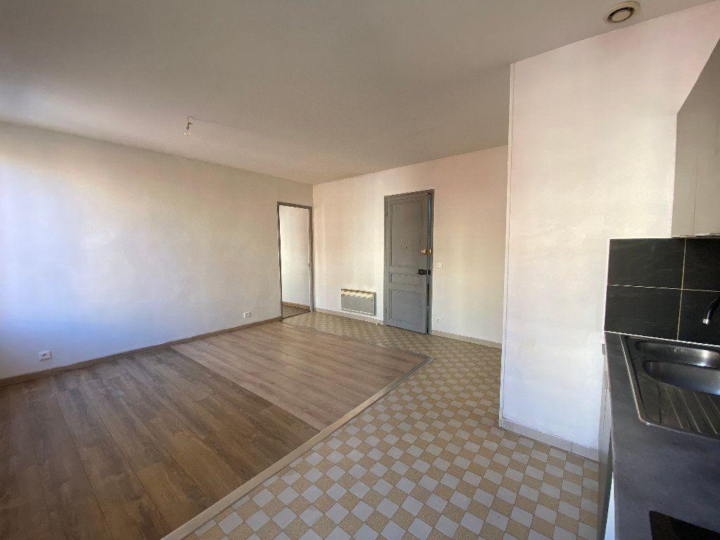 Appartement à louer 2 41.61m2 à Nice vignette-3