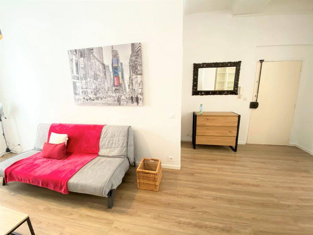 Appartement à louer 2 47m2 à Nice vignette-4