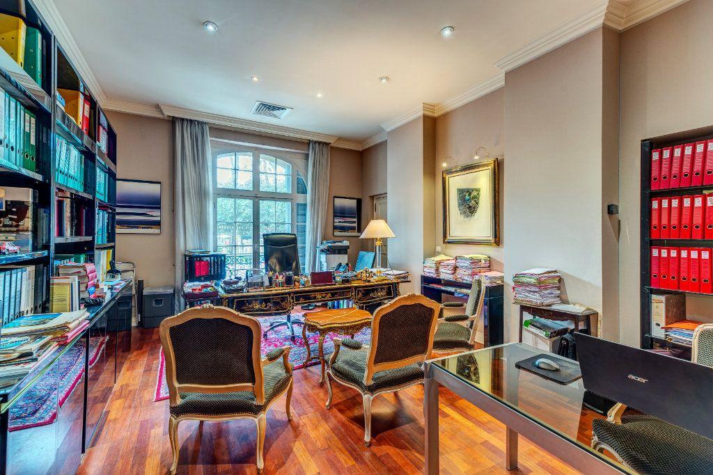 Appartement à vendre 7 180m2 à Nice vignette-2