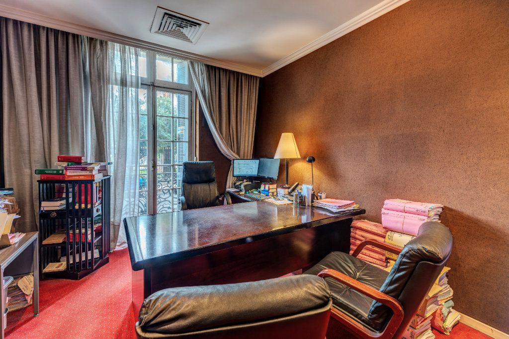 Appartement à vendre 7 180m2 à Nice vignette-3