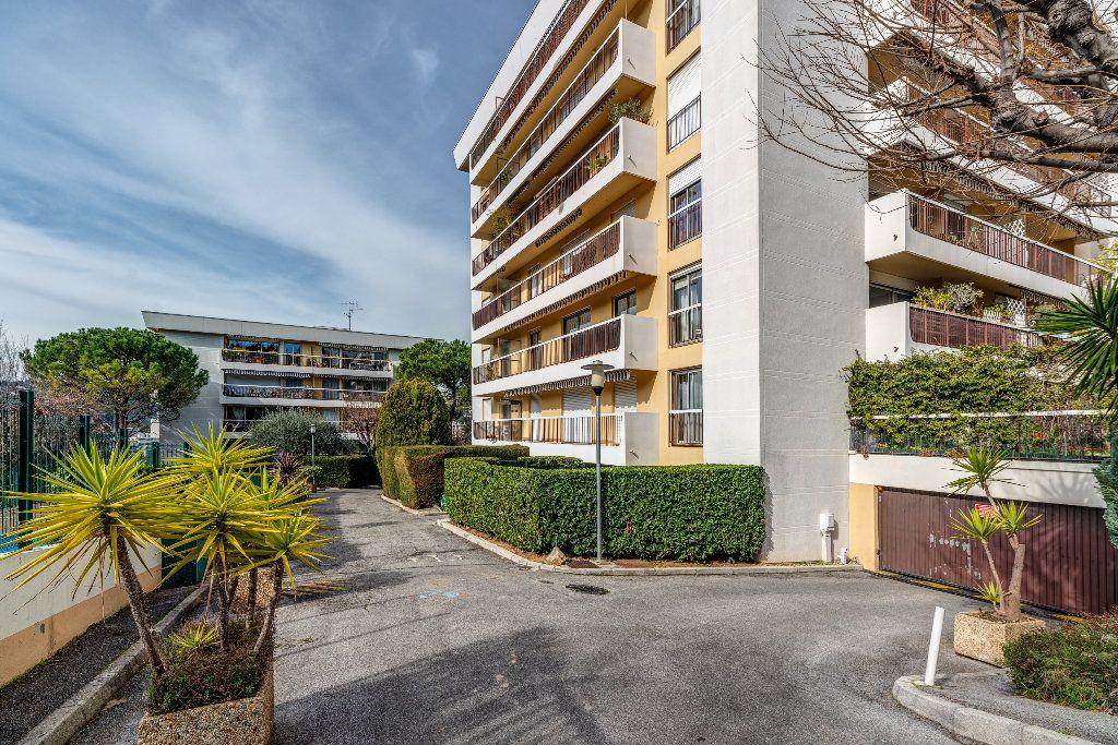 Appartement à vendre 4 85m2 à Nice vignette-2