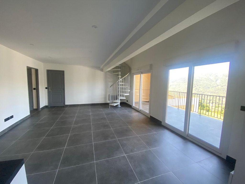 Appartement à louer 4 73m2 à Contes vignette-1