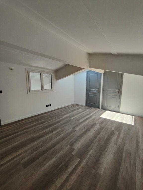 Appartement à louer 4 73m2 à Contes vignette-5