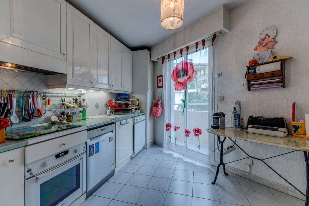 Appartement à vendre 4 93m2 à Nice vignette-8