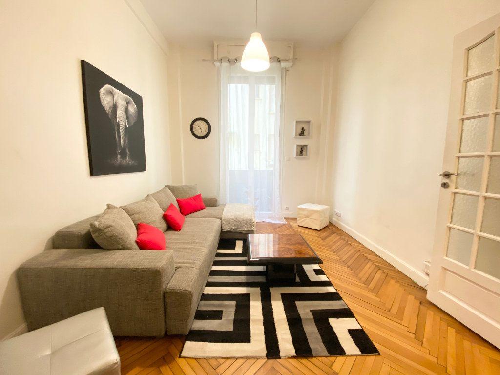 Appartement à louer 1 25.65m2 à Nice vignette-1