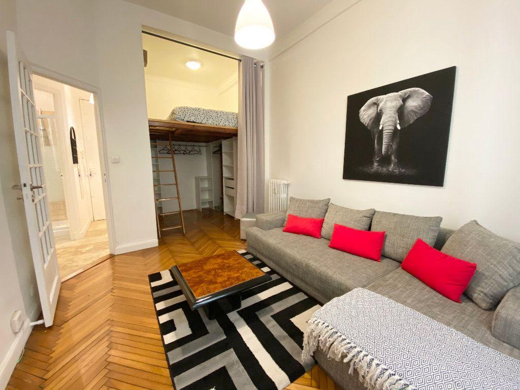 Appartement à louer 1 25.65m2 à Nice vignette-2