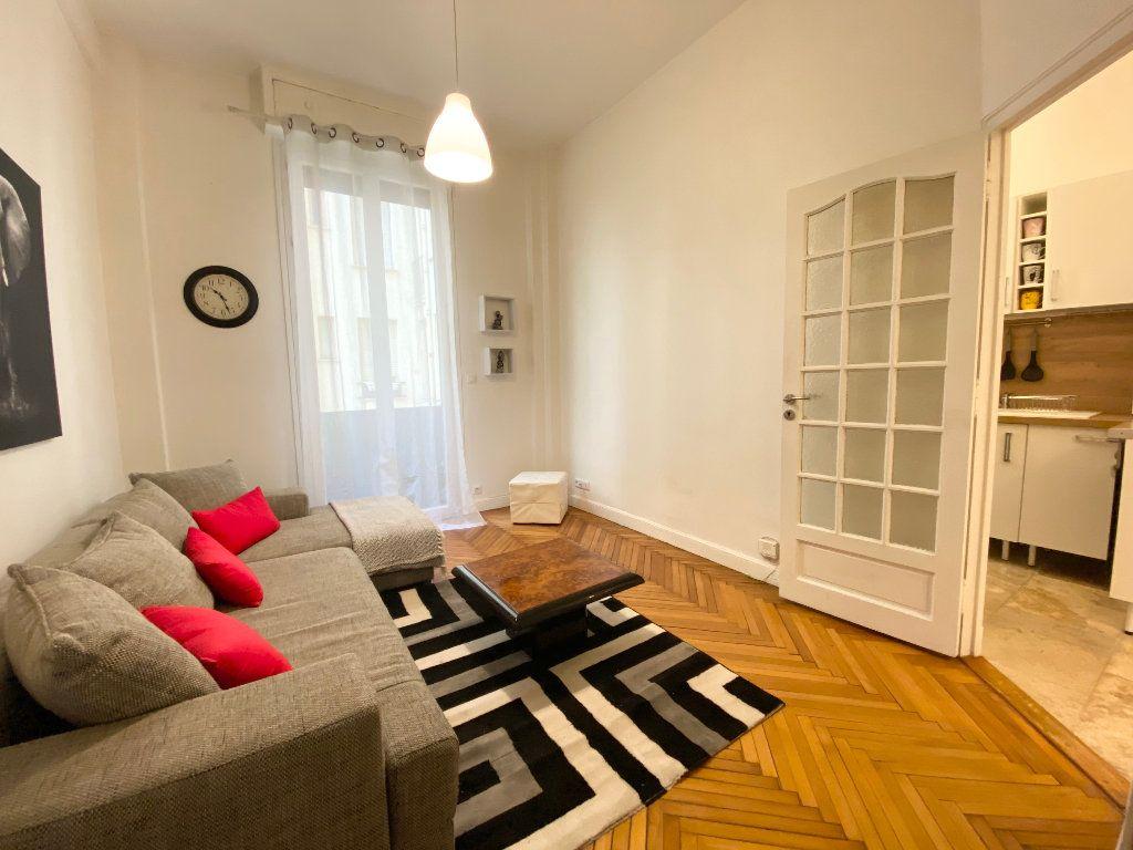Appartement à louer 1 25.65m2 à Nice vignette-3