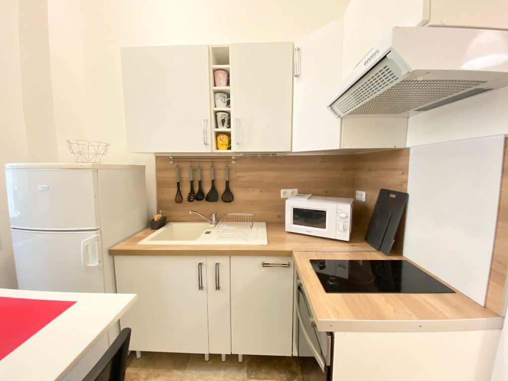 Appartement à louer 1 25.65m2 à Nice vignette-4