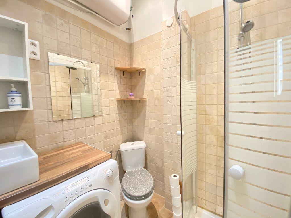 Appartement à louer 1 25.65m2 à Nice vignette-6