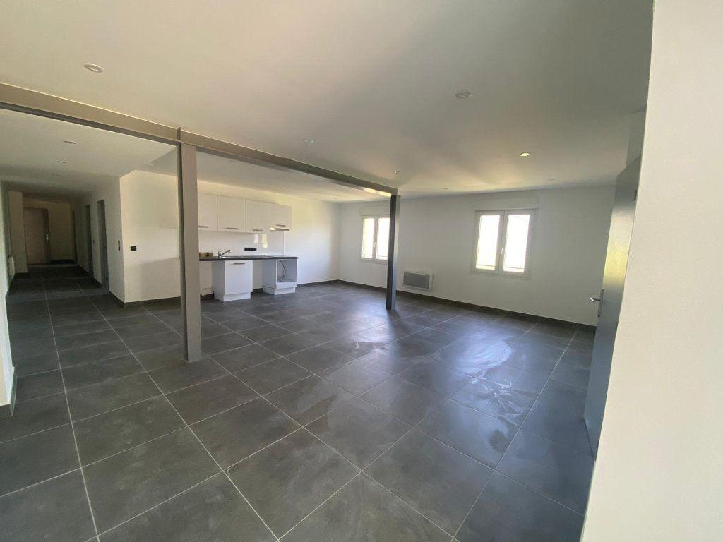 Appartement à louer 4 112.57m2 à Contes vignette-2