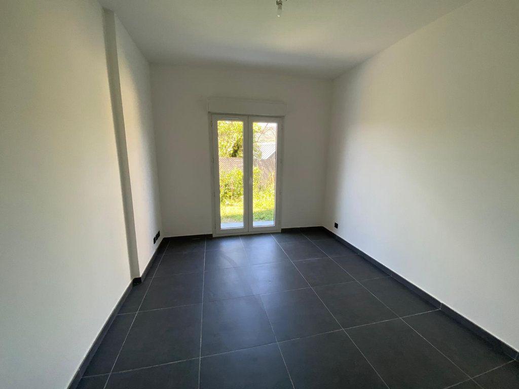 Appartement à louer 3 87m2 à Contes vignette-2