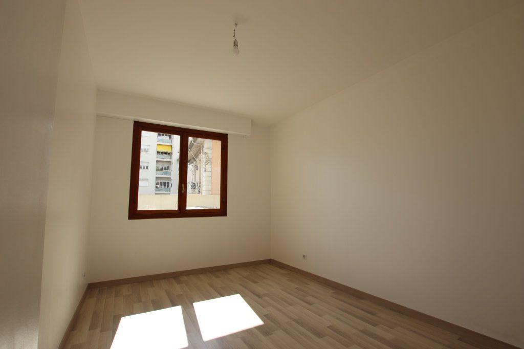 Appartement à vendre 3 66m2 à Nice vignette-3