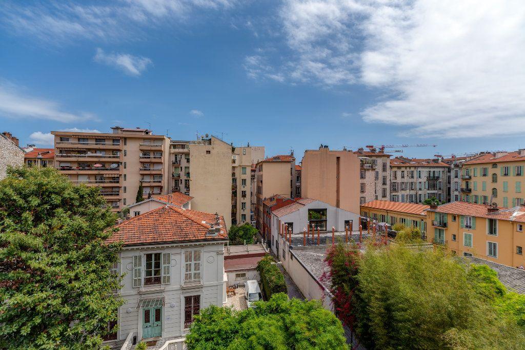 Appartement à vendre 4 120m2 à Nice vignette-2