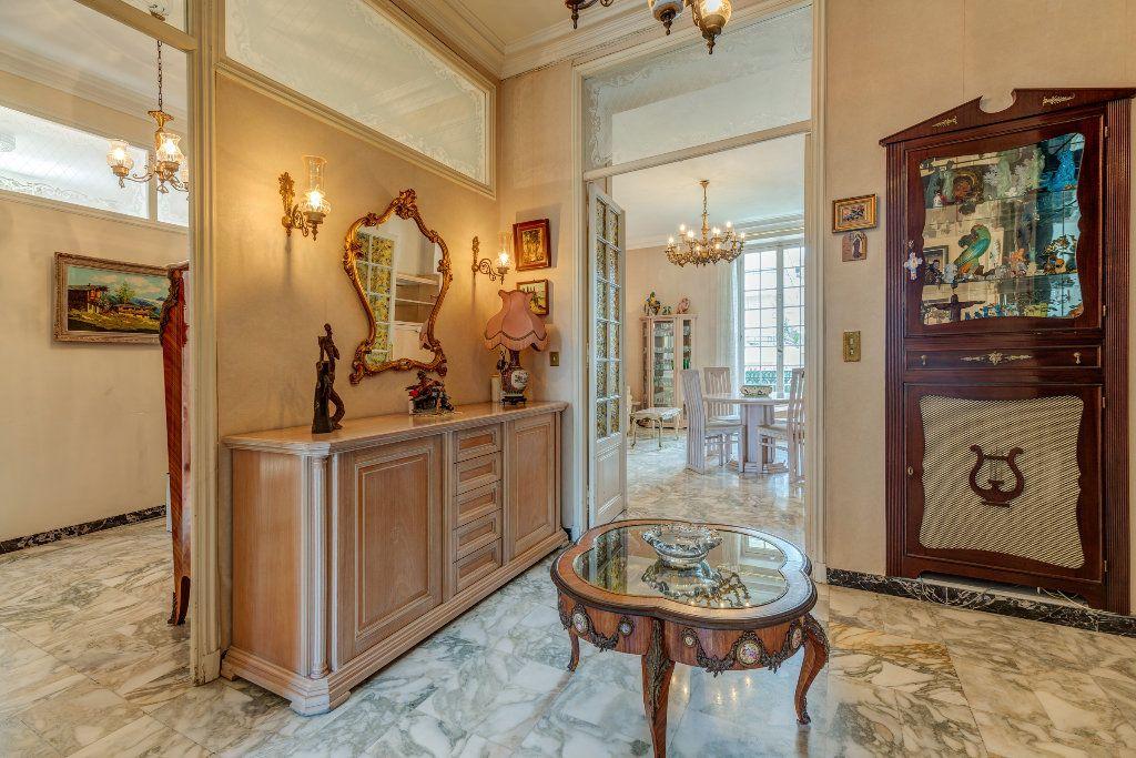 Appartement à vendre 4 120m2 à Nice vignette-3